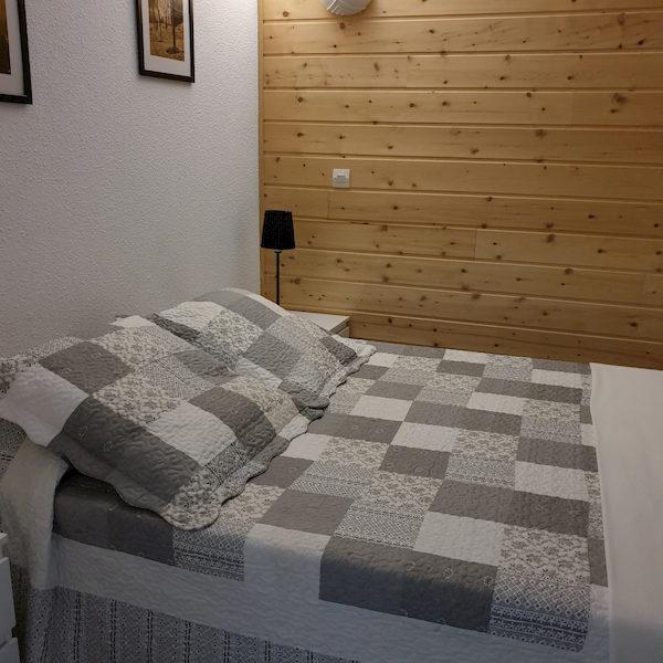 chambre à coucher appartement 406 les silènes