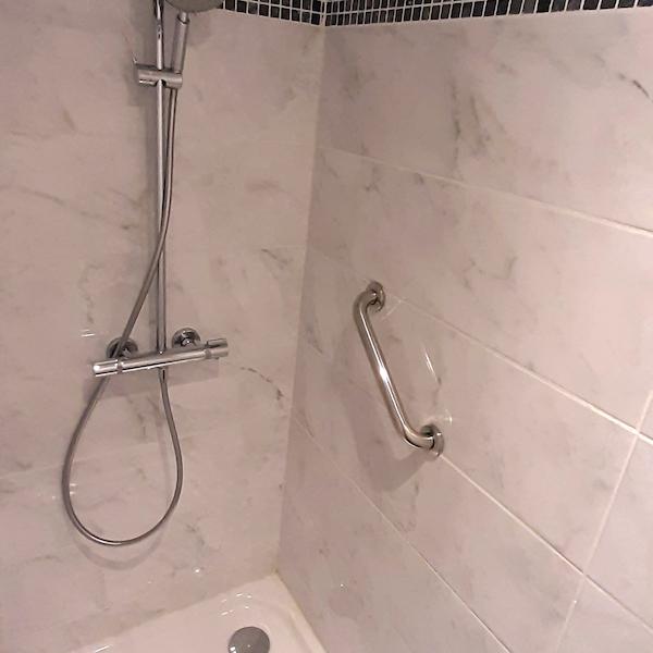 douche appartement 103 les silènes