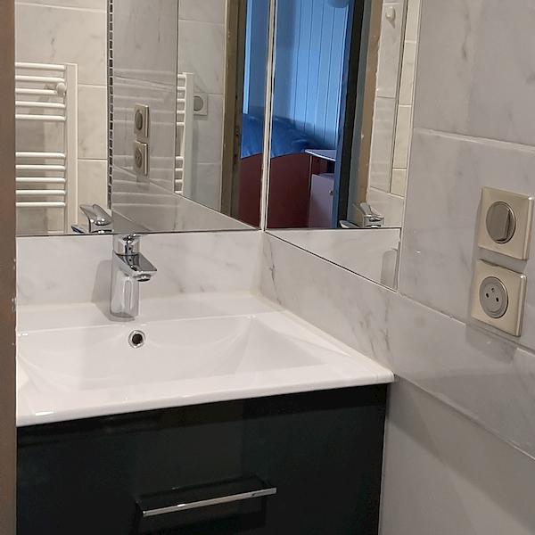 salle de bain appartement 103 les silènes