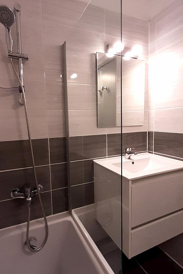 baignoire appartement 106 les silènes