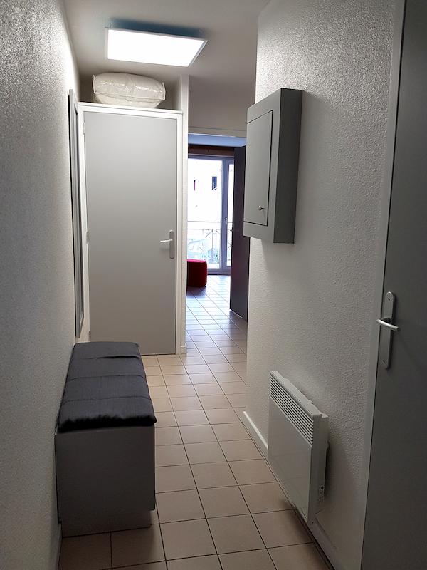 entrée appartement les silènes 209