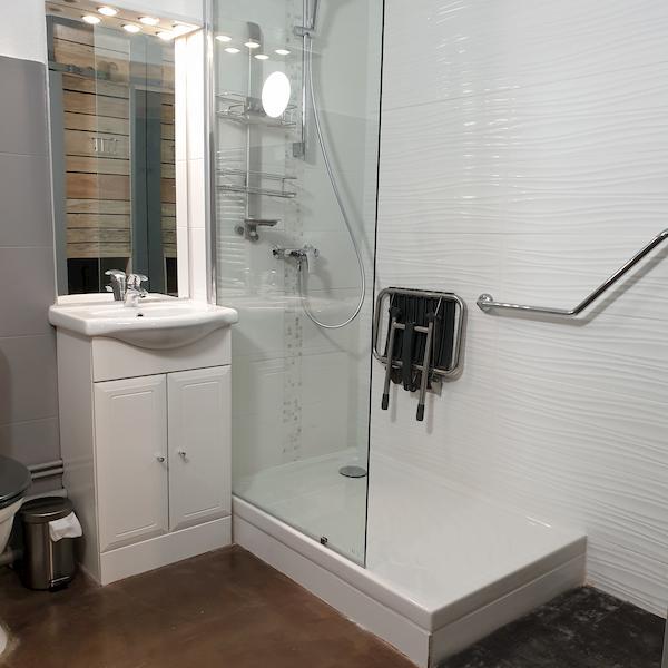 salle de bain appartement 407 les silènes