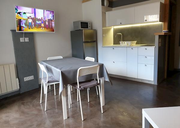 salle à manger appartement 407 les silènes