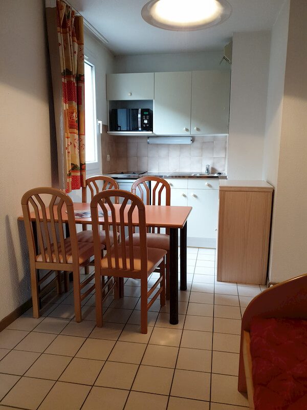 salle à a manger appartement 101 résidence les silènes